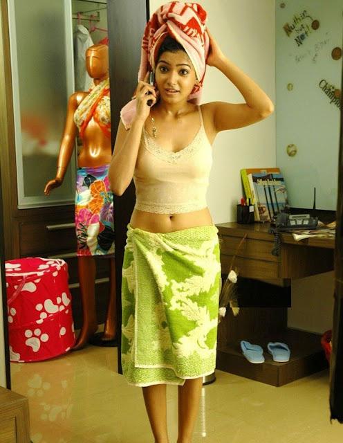 samantha hot pose