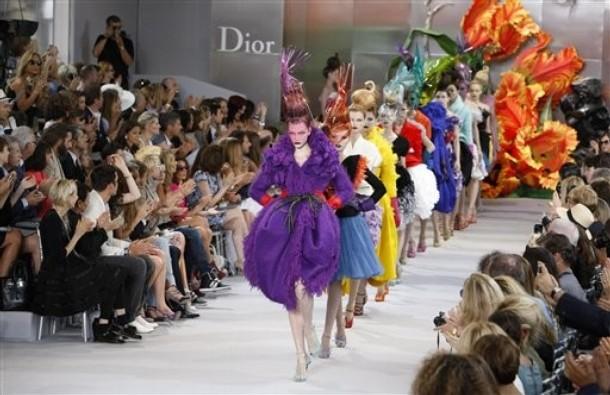 fashion: Fall/Winter 2010-2011 Haute Couture fashion show ...