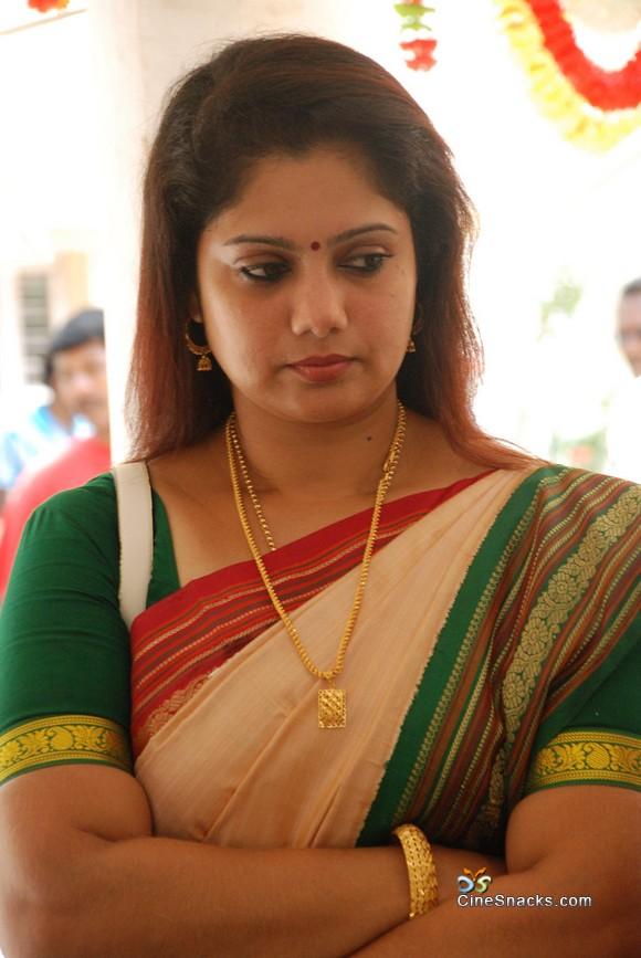 cute photos: Actress Yuvarani new photos