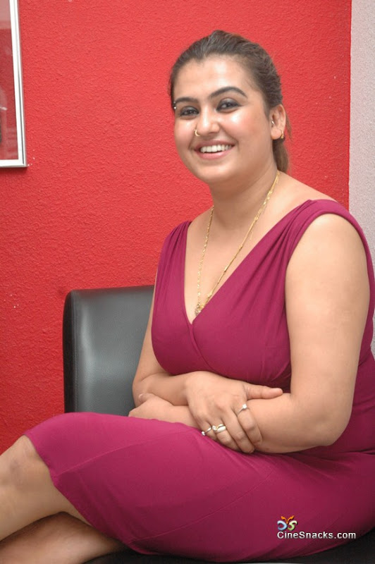 Photos Sona at kanimozhi pressmeet photos wallpapers