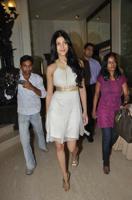 shruthi han at sonata aod collection of watches shruthi han at sonata aod collection of watches unseen pics