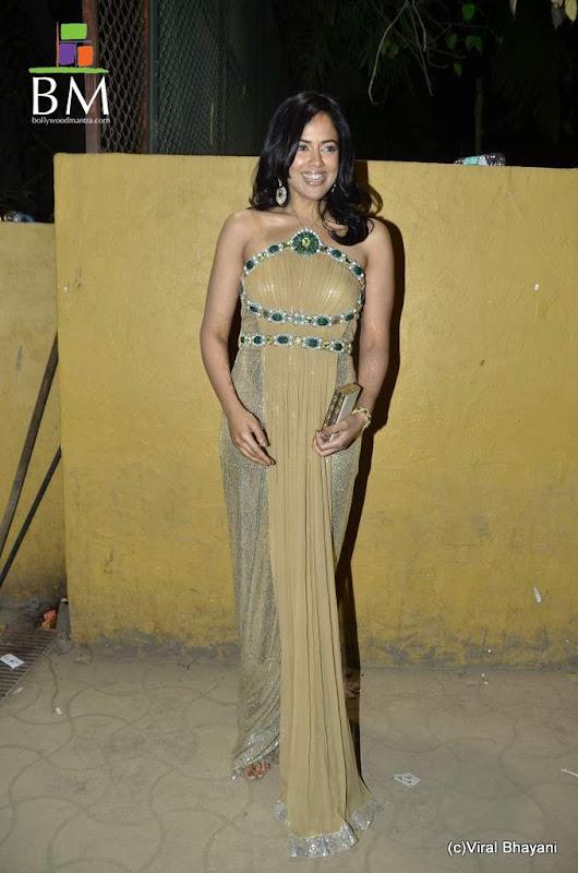 Sameera reddy at th Idea Filmfare Awards photos wallpapers