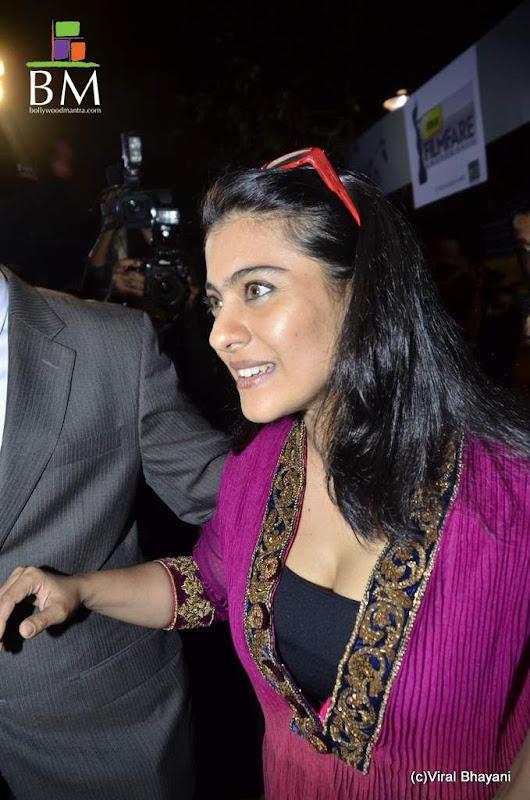 Kajol at th Idea Filmfare Awards photos sexy stills