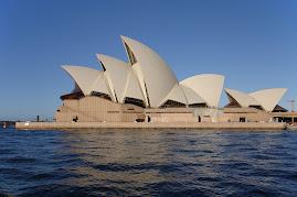 Sydney Opera House ( Australia)