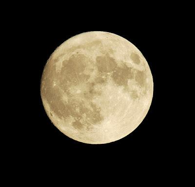 Laucan hoy hay luna llena for Hoy hay cambio de luna
