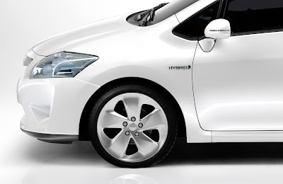new 2010 Toyota Auris: All The Details, Full-Hybrid Version