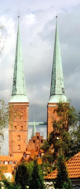 Oração nun vitral da Catedral de Lubeck, Alemanha