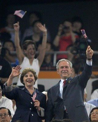 Bush na abertura dos Jogos Olímpicos. Pesadelo chinês
