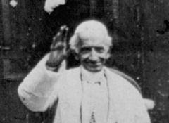 Leão XIII: invadir propriedades alheias sob pretexto de igualdade é contra a justiça