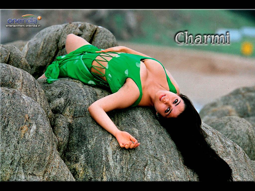 http://3.bp.blogspot.com/_L1DIvpR4Z4s/S8R0ZjA-t2I/AAAAAAAAAGU/haiod0PMTxA/s1600/charmi.JPG