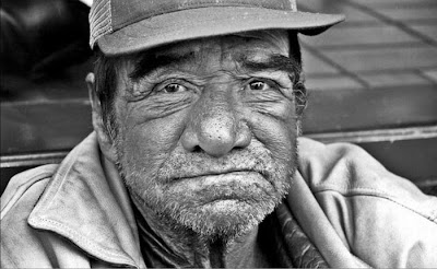 http://3.bp.blogspot.com/_L1y4XexY16s/TFkFt40sVbI/AAAAAAAAYYM/CANU2SpUc68/s400/homeless_in_america_54.jpg