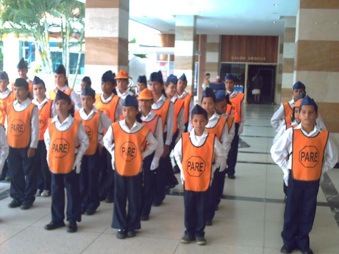 Patrulleros antes de entrar al salón Aragua del hotel Maracay
