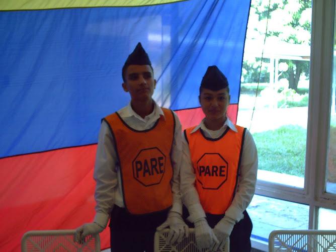 Gleidis y Rogger hacen el protocolo de la 52 Aniversario de las Patrullas Escolares