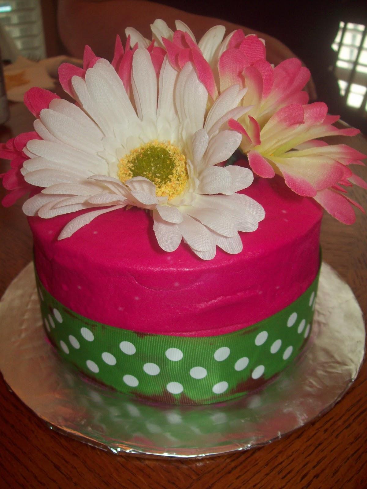 Bb Cakes Small Ribbon And Daisy Cake