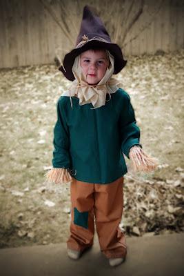 how to make homemade batman scarecrow costume.
