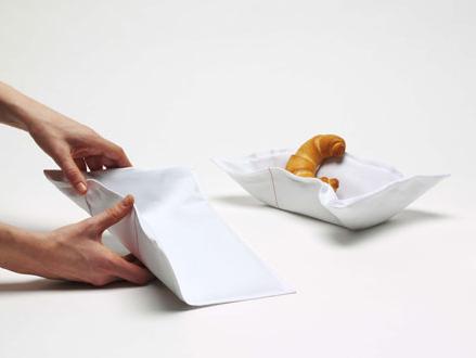 {Design} Polka bread basket