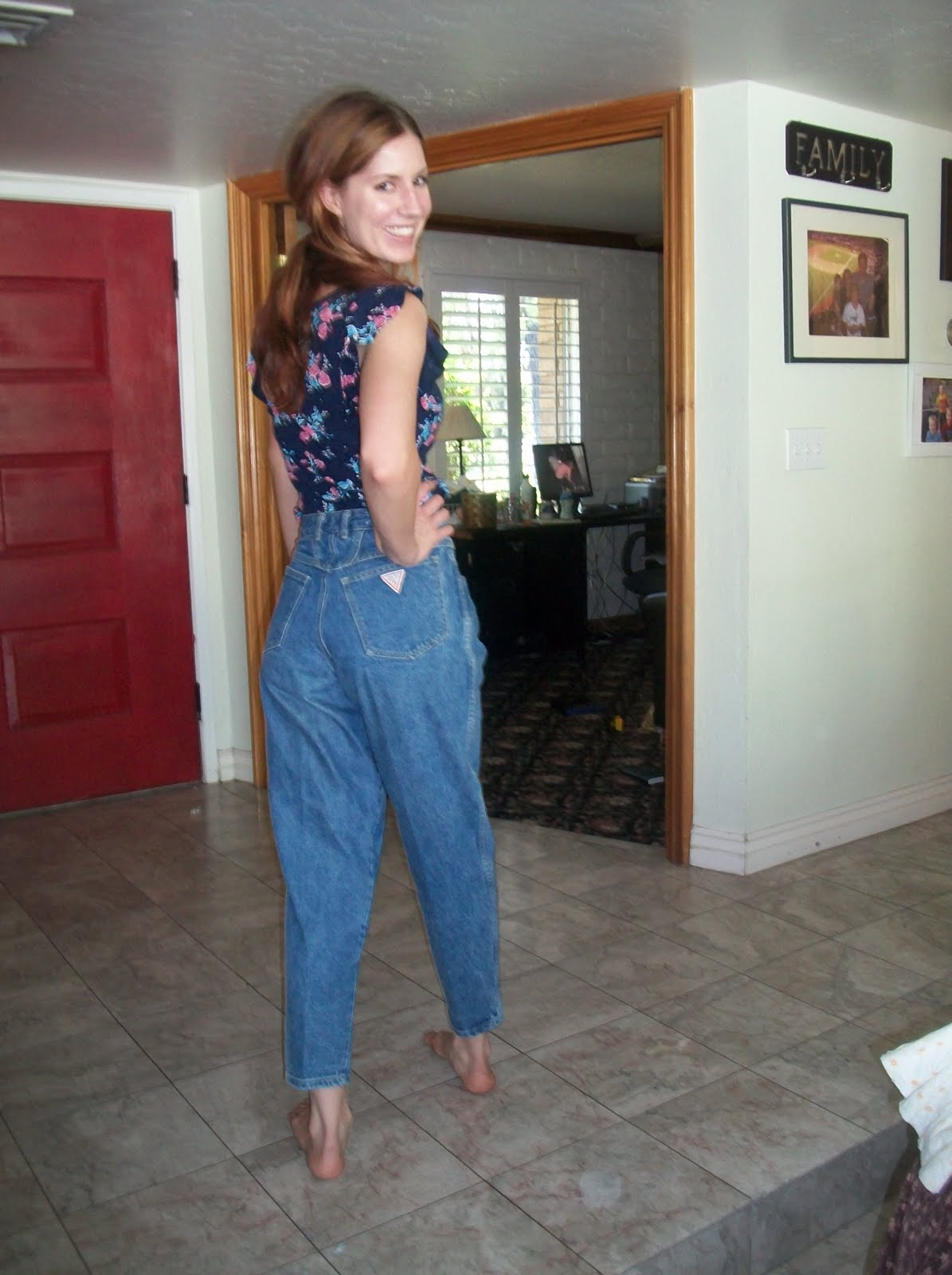 Lauren Graham Jeans Nasty jeans, just for fun. Lauren Graham Bad Santa Lauren Graham Bad Santa