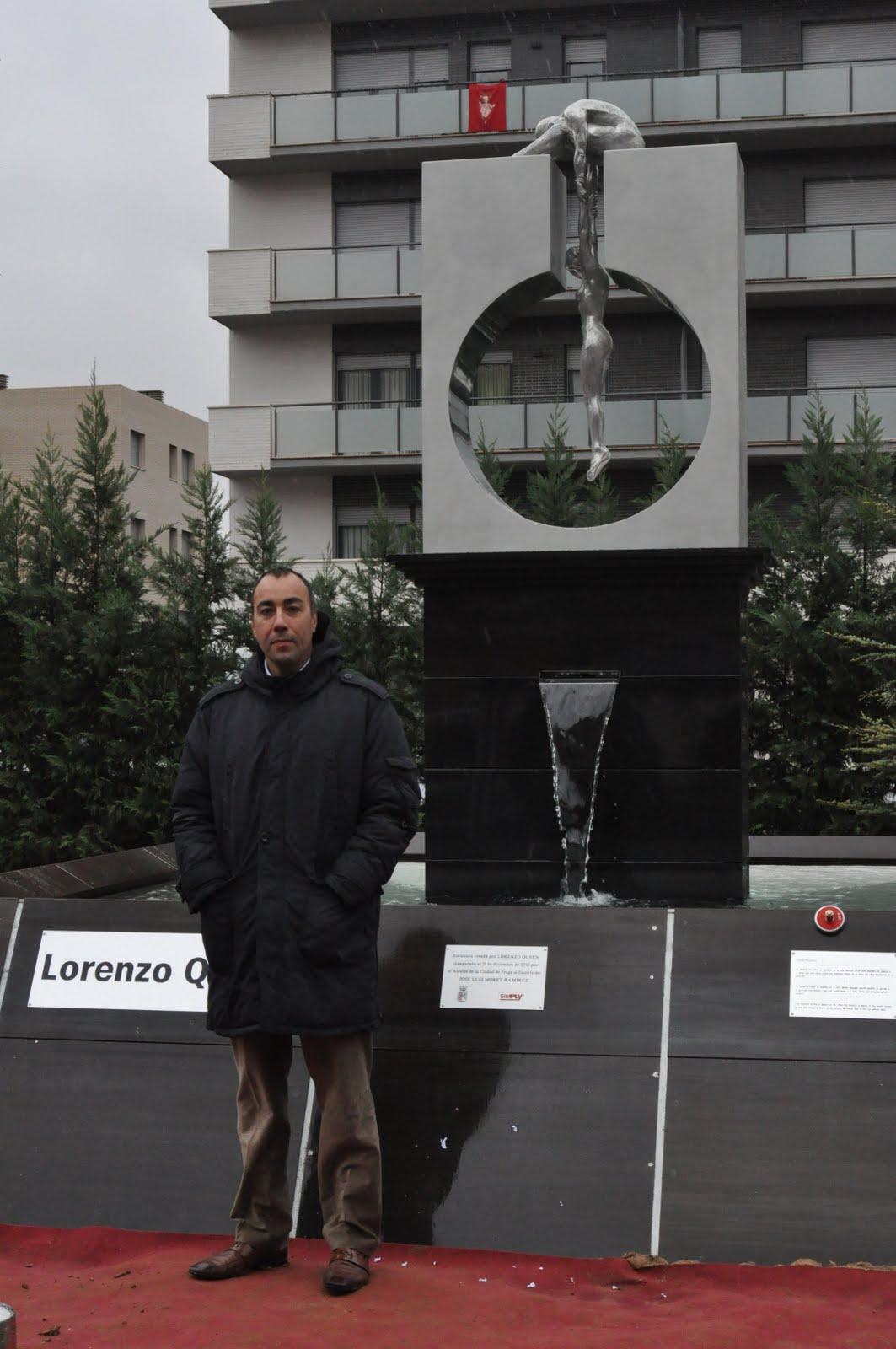 el artista lorenzo quinn ha estado presente esta manana en fraga a la    Lorenzo Quinn