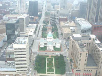 Blogging From the Top of the St. Louis Arch