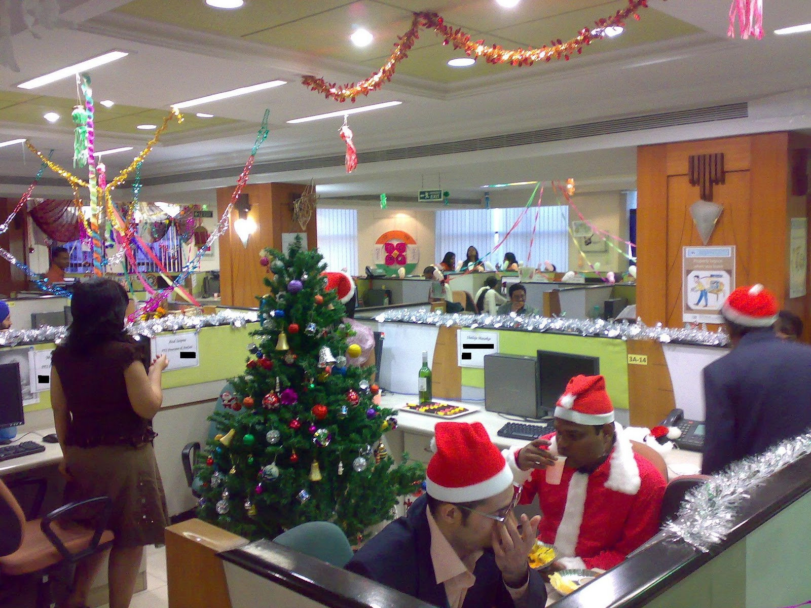 Kiran hegde 39 s blog rangoli cubicle decoration for 12 days of christmas decoration theme