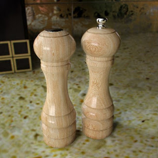 Free 3D model - Basic Wood Salt&Pepper Mill Set