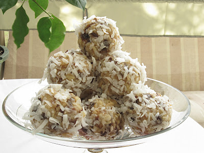Date Nut Balls Powdered Sugar Recipes | Yummly