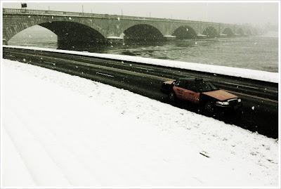 washington dc taxi near memorial bridge