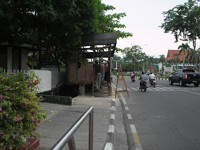 Pintu depan kaca mayang Pekanbaru jl Sudirman