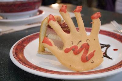 迪士尼 黑色世界 mousse cake