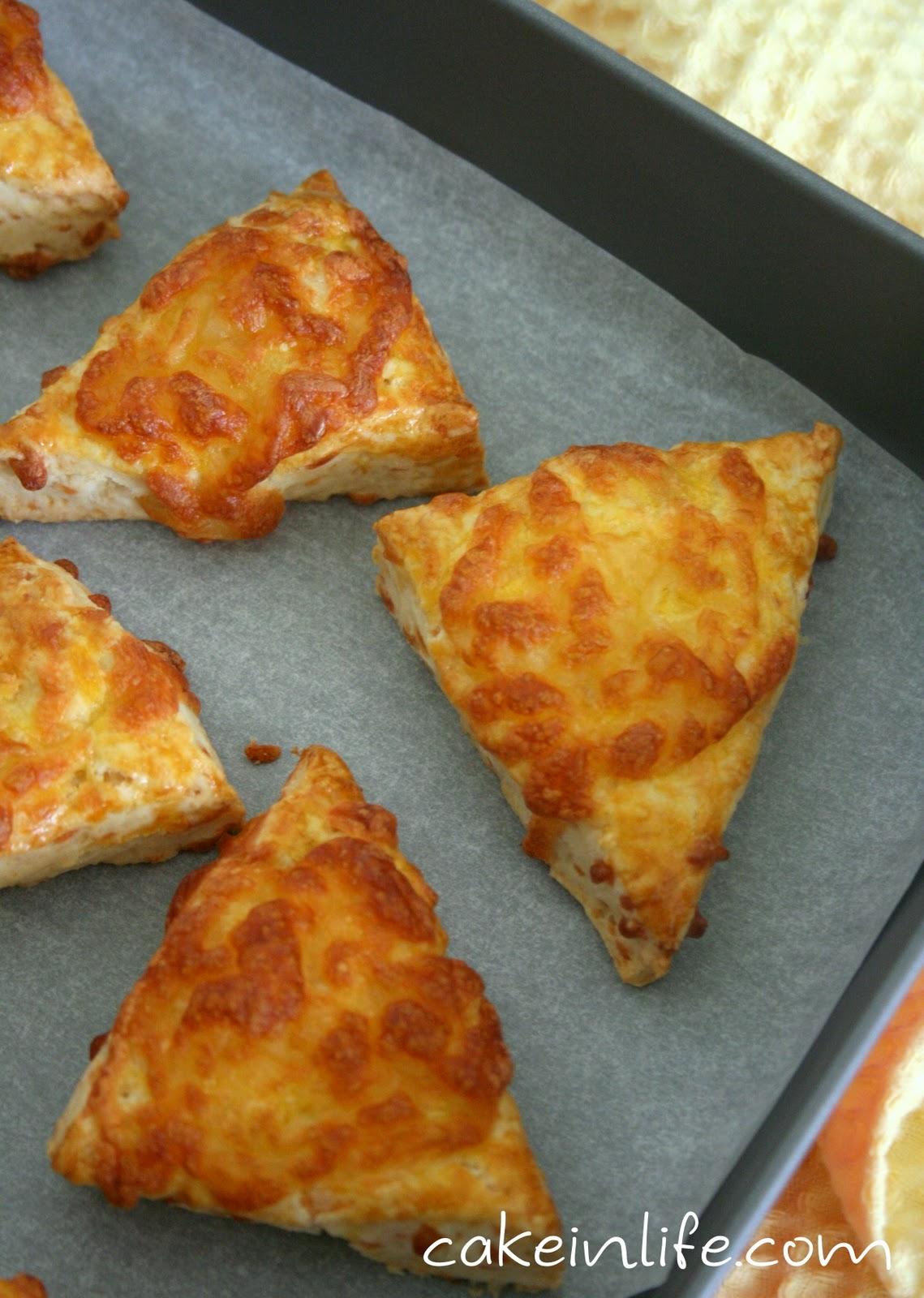 Peynirli Üçgenler