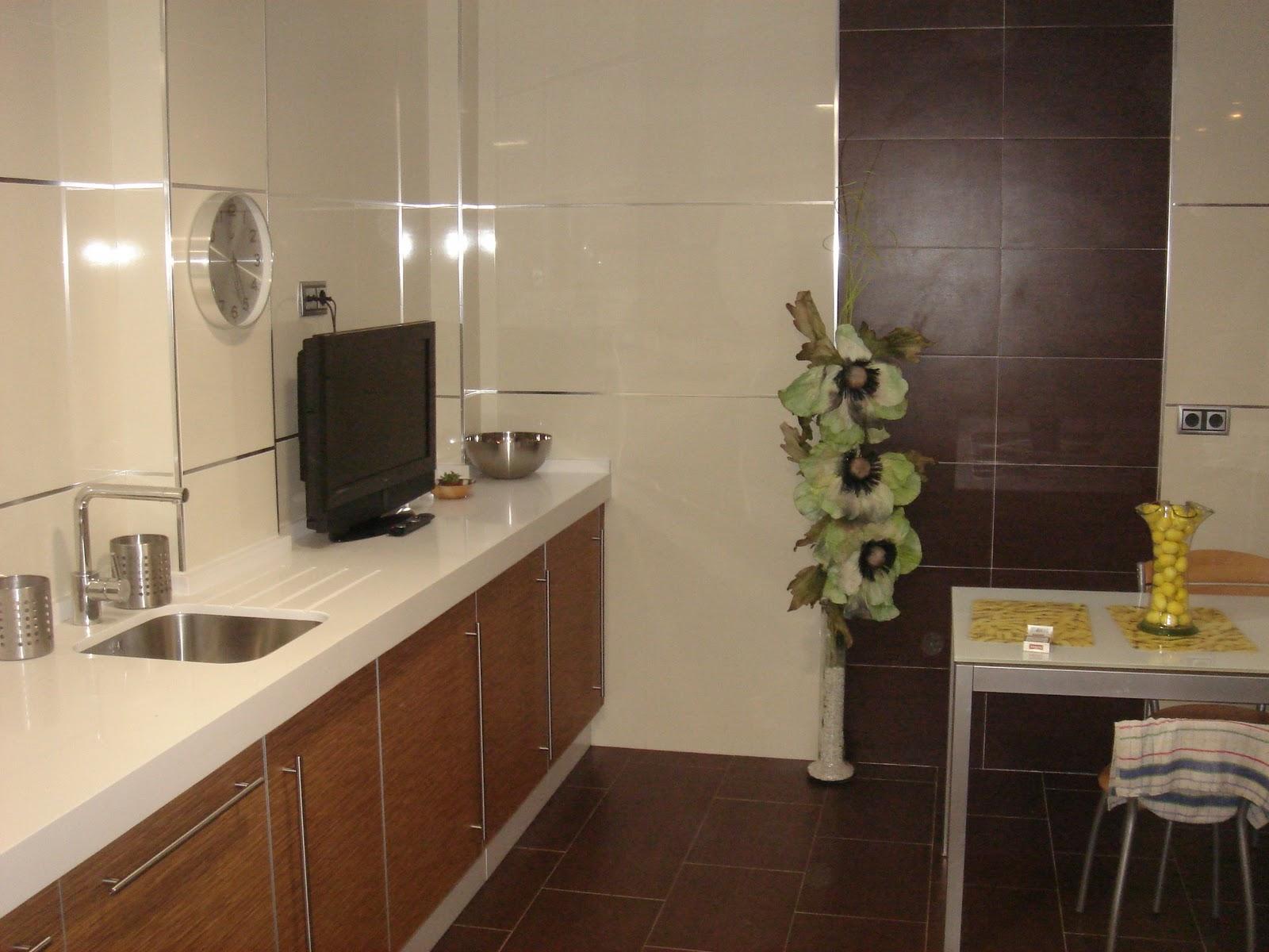 Azulejos Baño Horizontal O Vertical:Cocina con azulejos rectificado y  #A0882B 1600x1200 Azulejo Banheiro Vertical Ou Horizontal