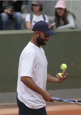 Black Tennis Pro's James Blake 2009 Roland Garros