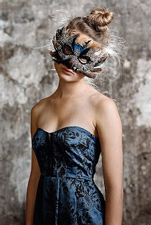 ve got a lust for lifeee: Someone throw a masquerade party