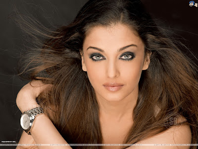 wallpapers of aishwarya rai in bikini