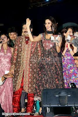 Mallika Sherawat's Nagin dance at Navratri Event33