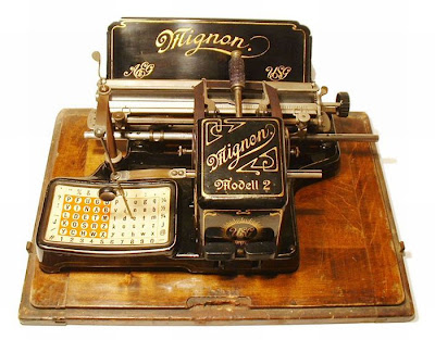 vintage typewriters 30 World's Oldest Typewriter Collection