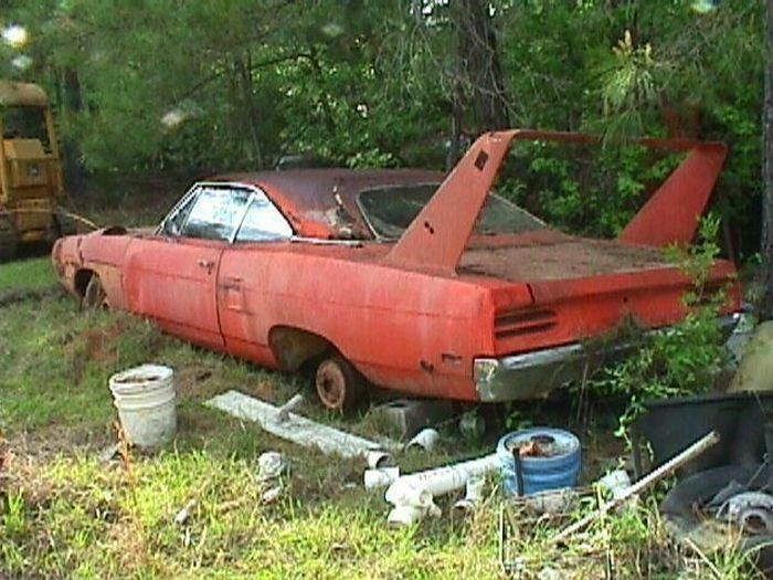 Abandoned Super Cars 104 Pics Curious Funny Photos