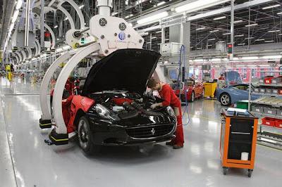 inside ferrari plant 32 Proses Pembuatan Sebuah Mobil Ferrari