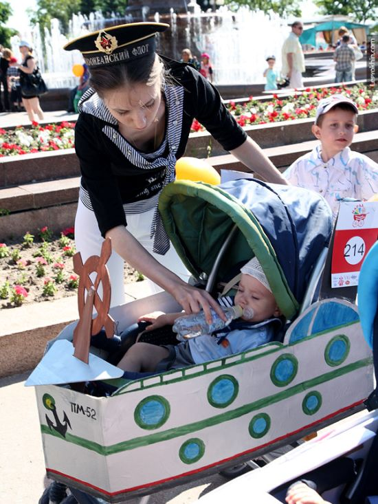 55 unusual baby carriages strollers Unusual-baby-carriages-02