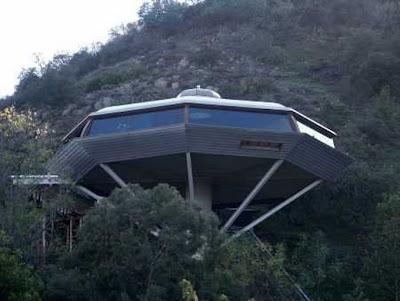 Desain Rumah Super Unik [ www.BlogApaAja.com ]