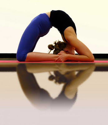 Nice beautiful expressive Extreme Yoga Poses Seen On www.coolpicturegallery.net