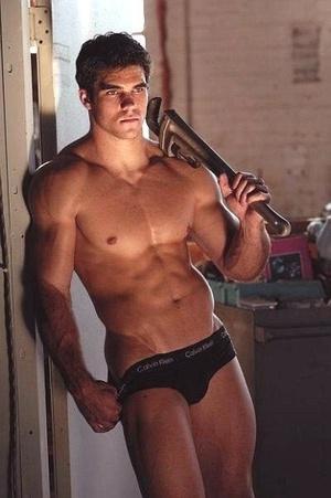 naked guy plumber crack