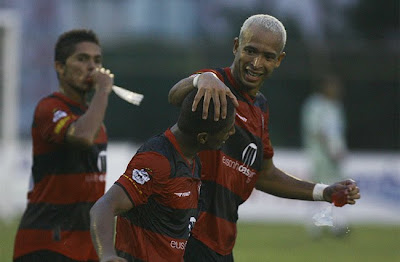 Foto: Júnior (Camaçari 1 x 3 Vitória)