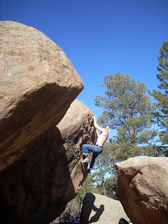 Bouldering at Tres Piedras, New Mexico