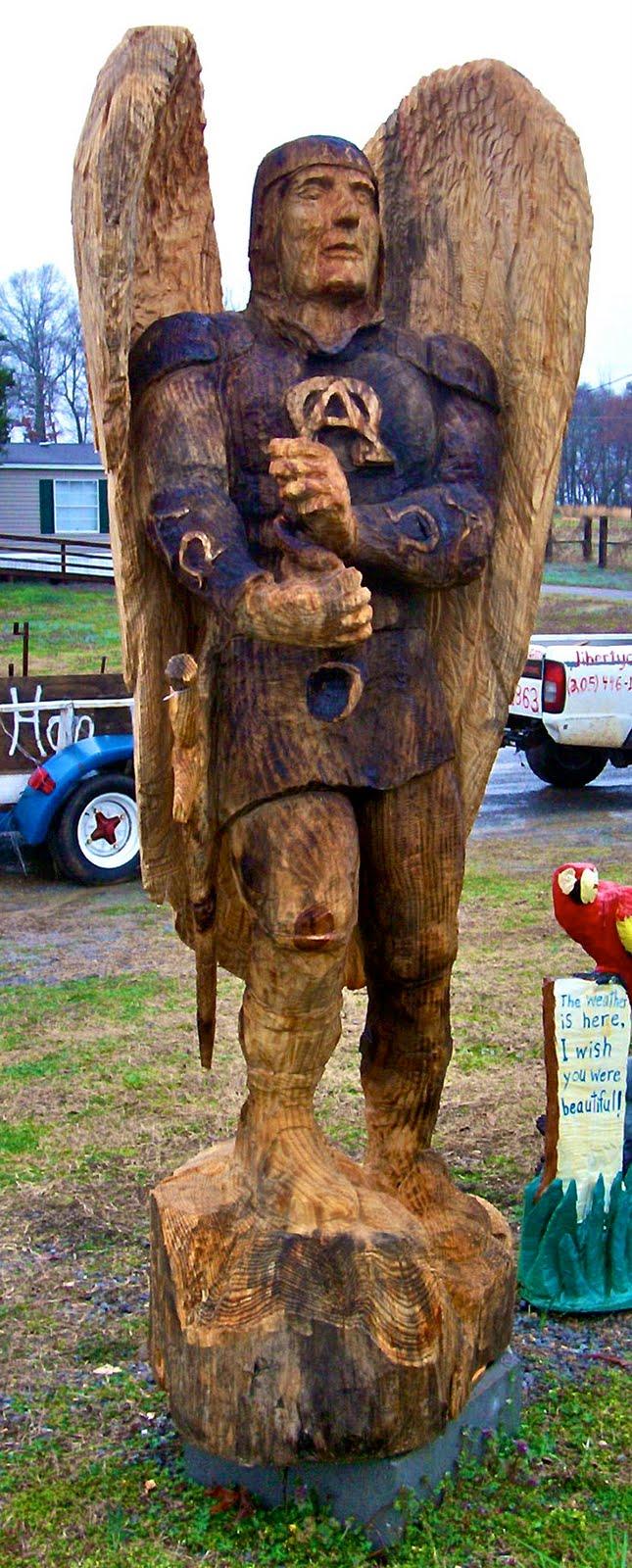 Ptldme chainsaw sculpture