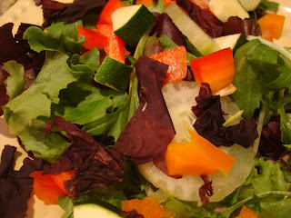 Mixed vegetable and greens salad with Dulse flakes
