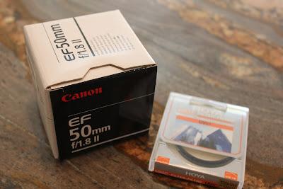 Canon EF 50 mm f/1.8 II Standard & Medium Telephoto lens in box