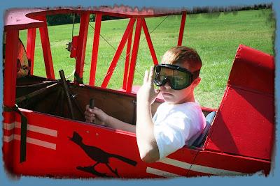 boy-in-plane