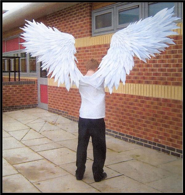 Как сделать крылья своими руками из бумаги