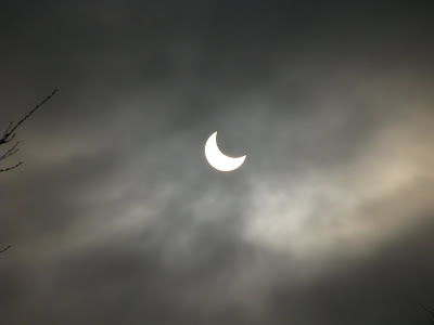 Eclipsadesoare-solareclipse-Sonnenfinsternis-eclipse de sol-éclipsesolaire-ηλιακή έκλειψη-napfogyatkozásv